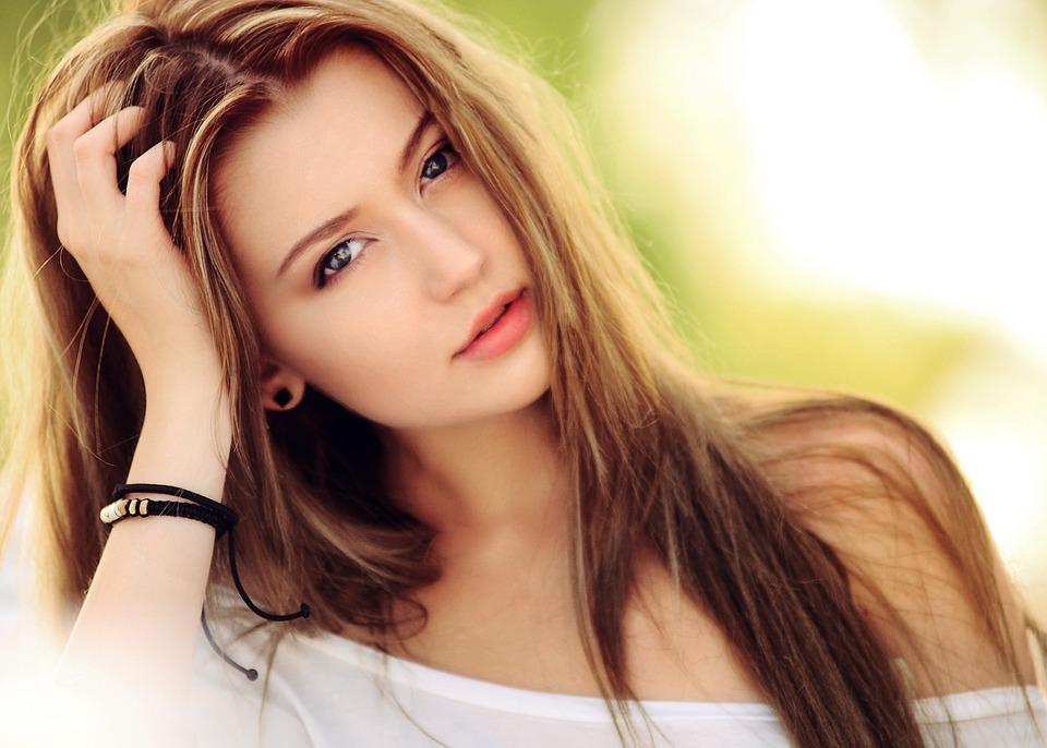 Веб девушка модель работа это что какая девушка модель поведения сотрудника на работе